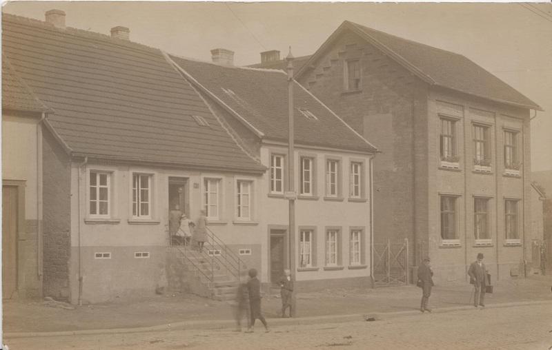 Naumann_FamilyHouseGermany_1912.jpeg