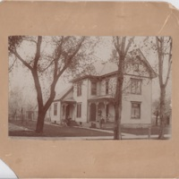 Ettinger Family Home in Waterloo Iowa
